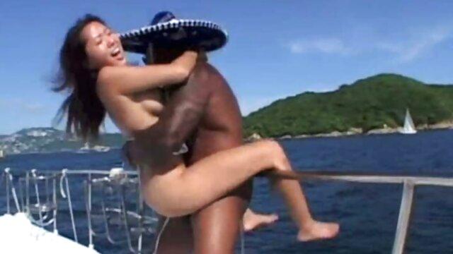Fille noire donnant une sex jeux gratuits pipe pov