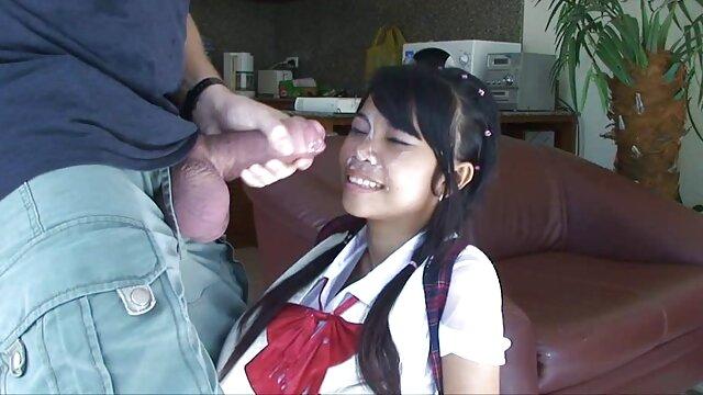 Victoria Shine fait briller la telecharger porno 3d bite de Tomi avec sa bouche et