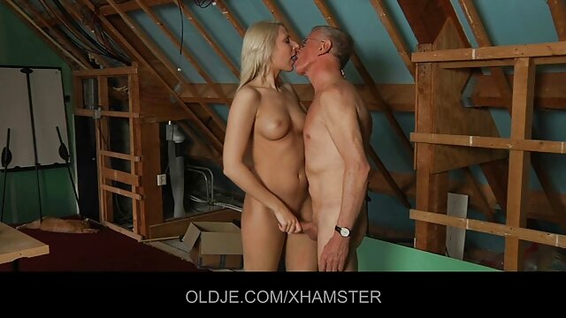 Cock Sucking CFNM Party - jeux porno flash Ours dansant